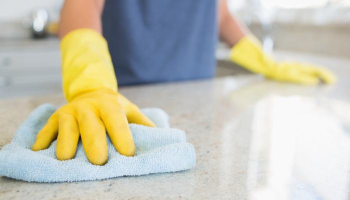 Desinfección y limpieza en  colegios y universidades