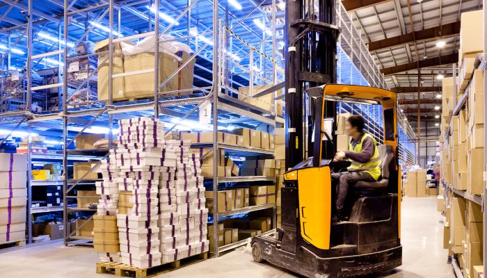 Servicio auxiliar en industria y logística